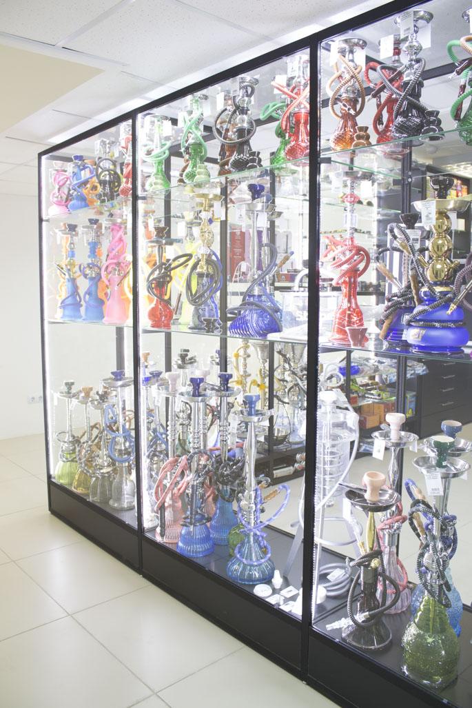 Магазин Кальянов в Новосибирске ул.Высоцкого 33; витрина 2