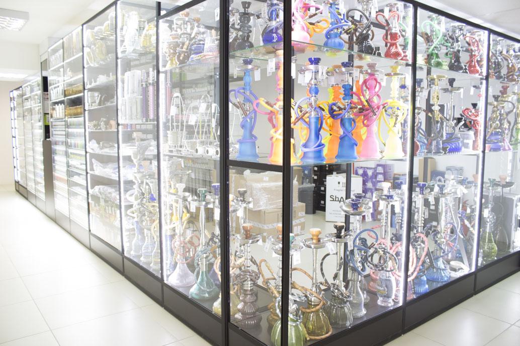 Магазин Кальянов в Новосибирске ул.Высоцкого 33; витрина 3